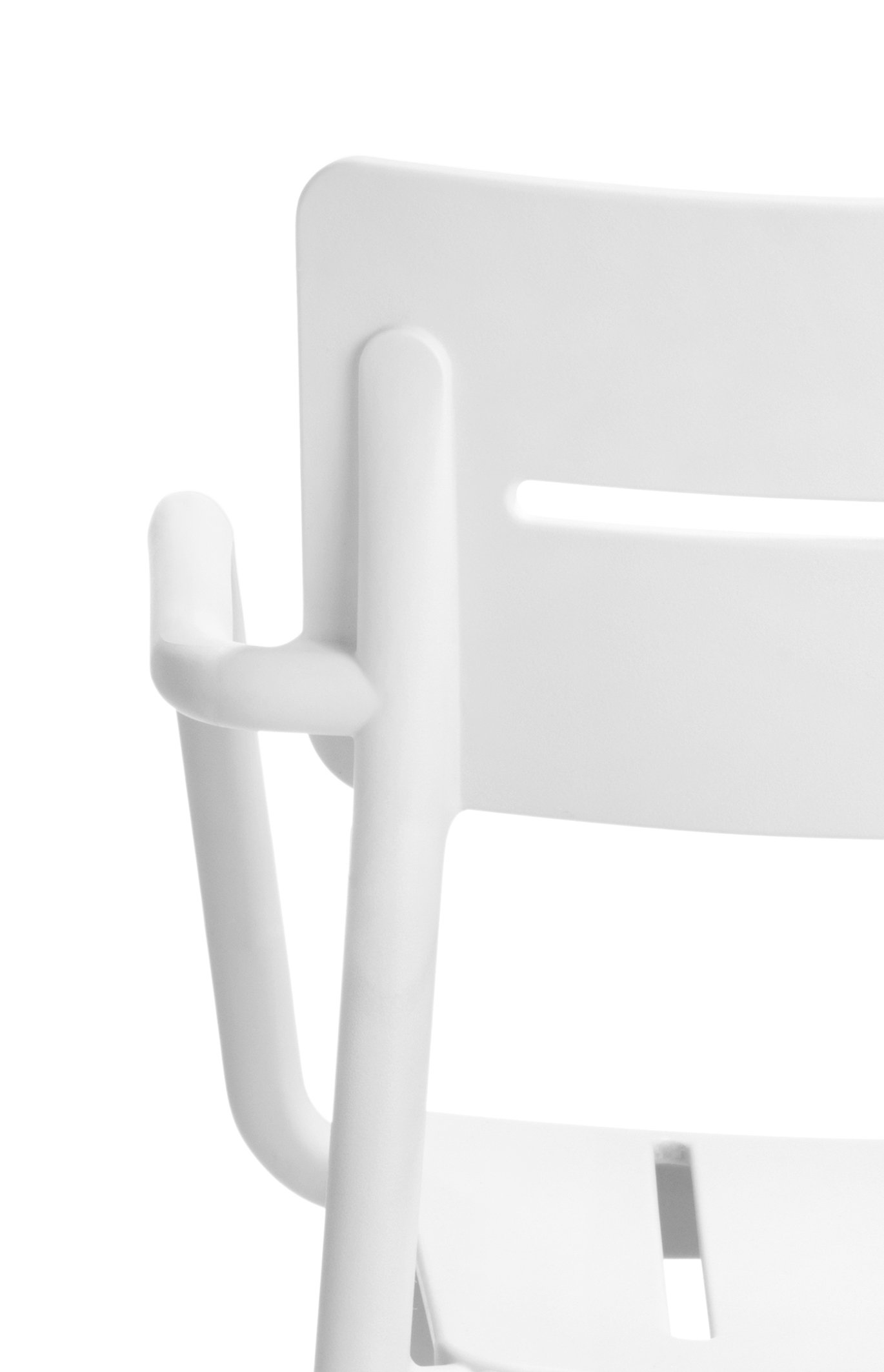 Outo Armchair by TOOU
