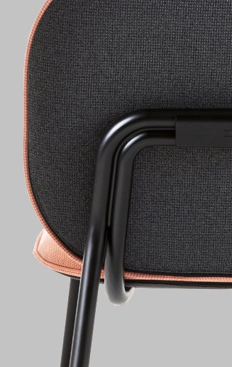Tasca Lounge Chair by TOOU. Detail from the back.